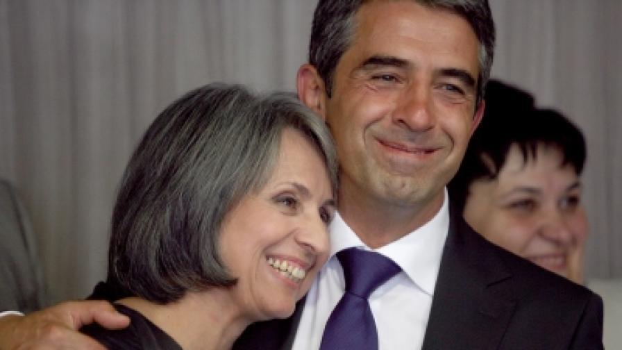 Росен Плевнелиев и кандидата за вицепрезидент Маргарита Попова при обявяването на кандидатурите им