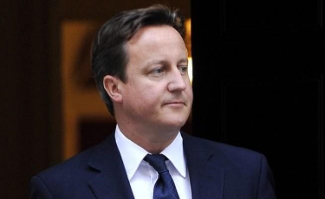 Камерън: Меркел и Саркози да грабват базуката