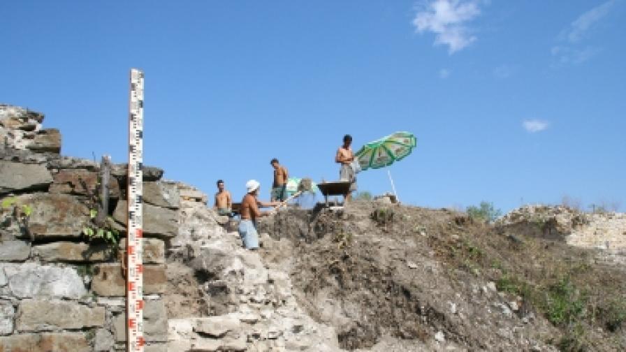 Разкопките на хълма Трапезица във Велико Търново