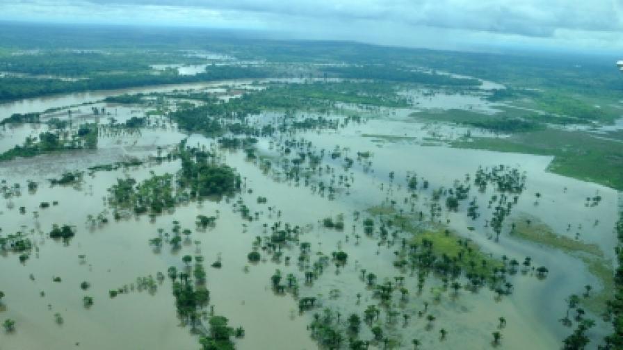 Над 160 жертви на наводнения в Централна Америка