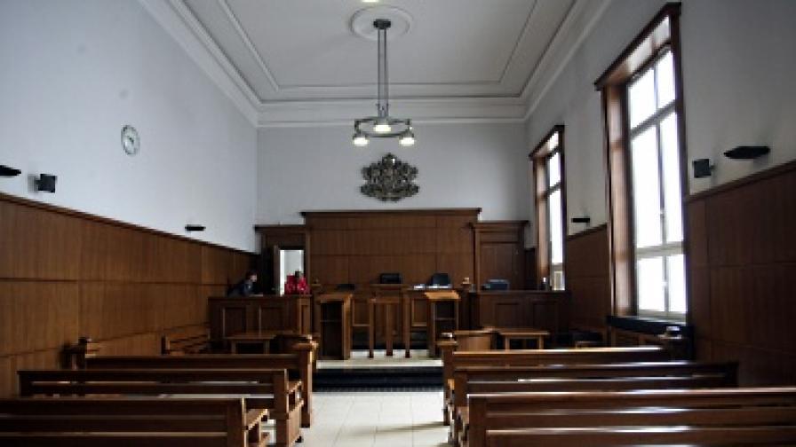 Предлагат за уволнение съдията по конфликта в пресгрупата