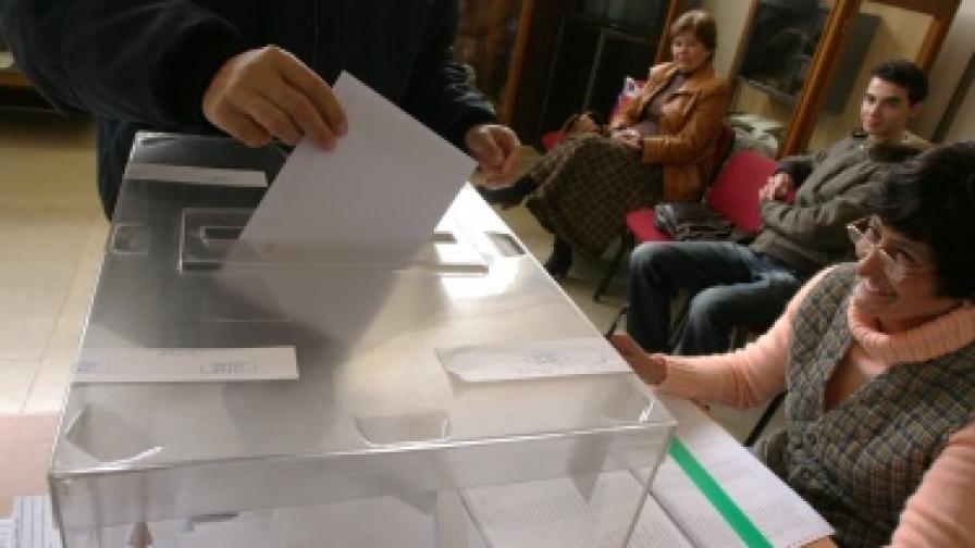 300 хил. бюлетини за изборите зад граница