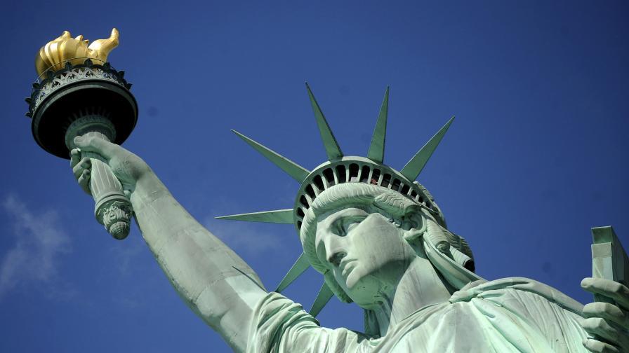 Празнуват рождения ден на Статуята на свободата и я затварят за ремонт