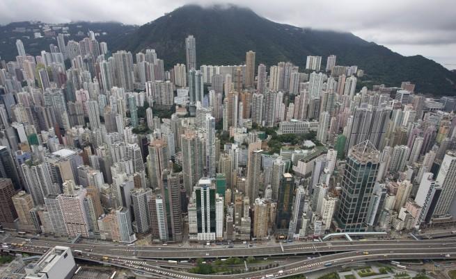 Смърт в жилищата кутийки за бедни в Хонконг