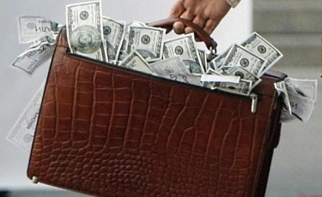 Светът харчи за подкупи $1 трилион годишно