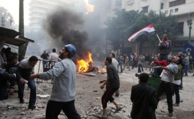 Нови жертви при сблъсък в Кайро