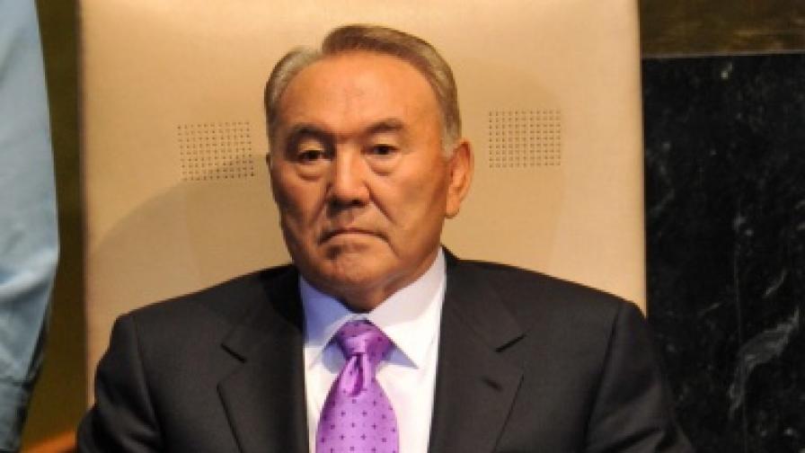Назарбаев уволни зетя си, сочен за негов приемник
