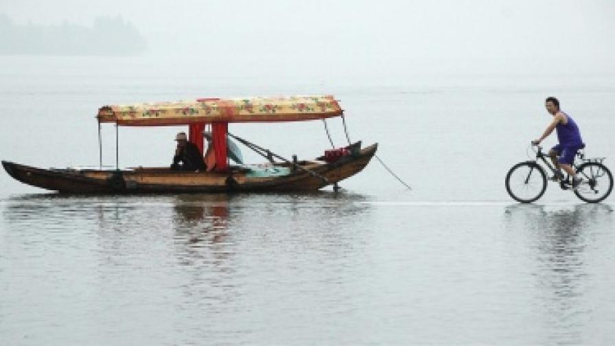 Китай обръща реки и премества милиони хора