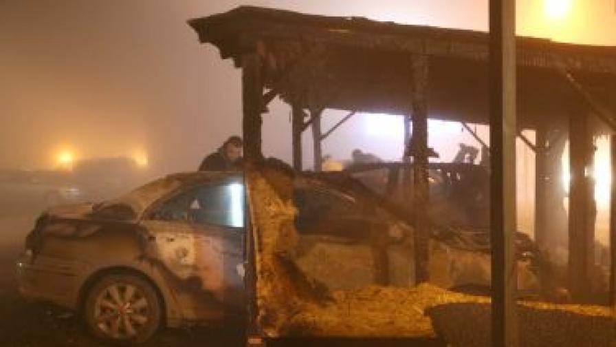 Автомобили горяха в София и в Пазарджик