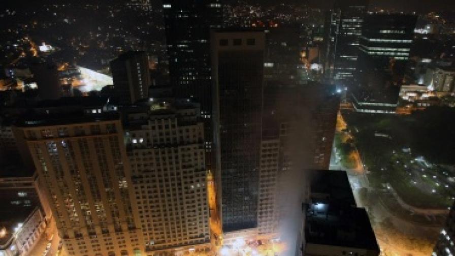 5 жертви, 16 в неизвестност след срутването на сгради в Рио де Жанейро