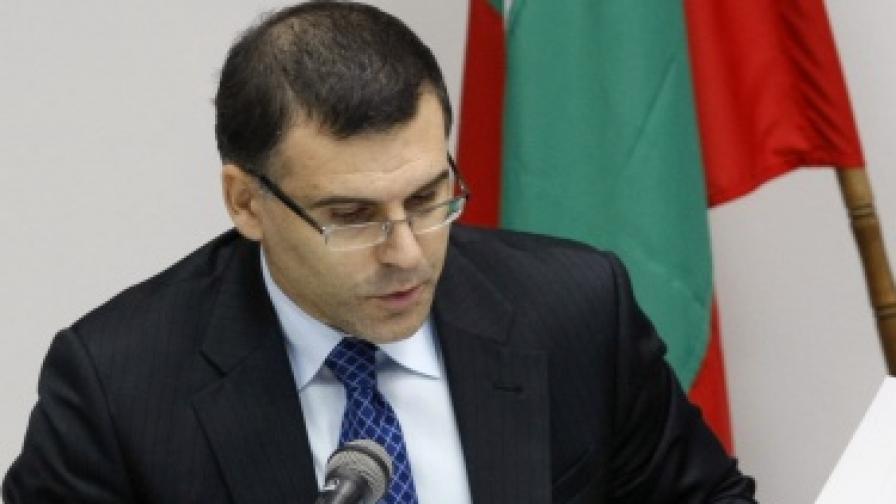 Дянков: Готвим законови промени заради лихвите на банките