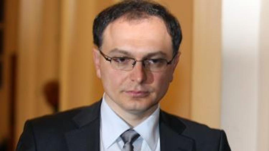 Тодор Коларов подаде оставка като шеф на Комисията за отнемане на незаконно придобито имущество