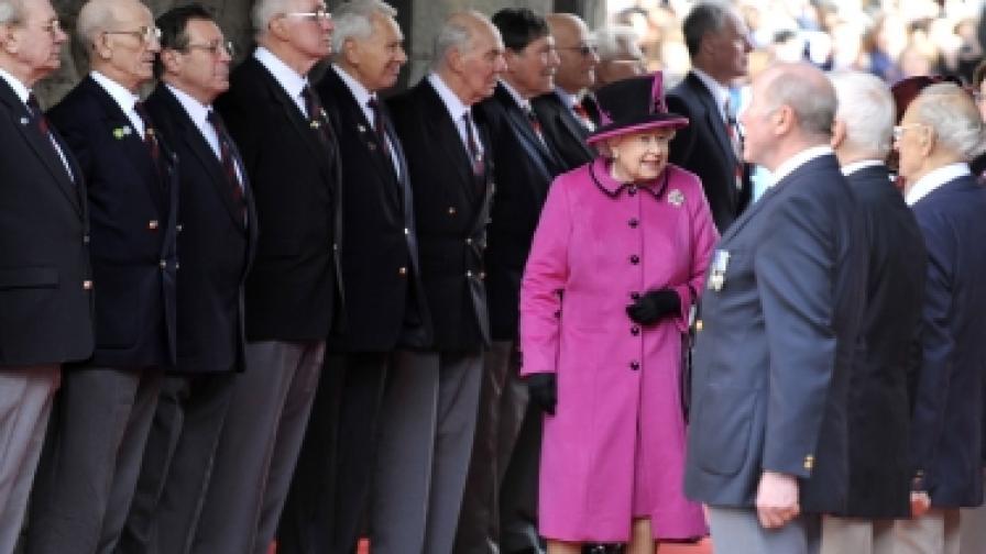 Кралица Елизабет ІІ чества 60 години на трона