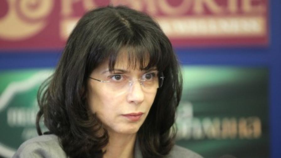 Моника Йосифова: Работила съм с три правителства