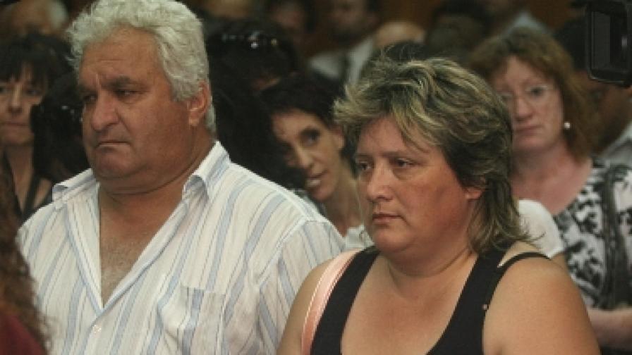 Родителите Белнейски се отказват от адвоката си, истината не е излязла наяве