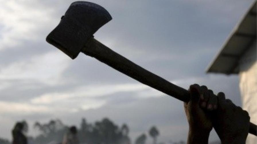Бой с ножове и брадви между българи и роми ескалира