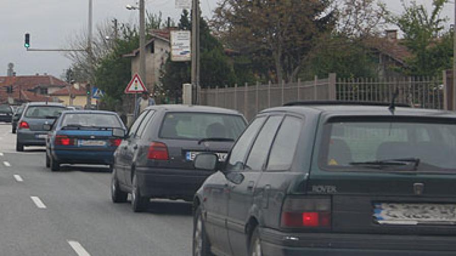 Тежък празничен трафик в цялата страна
