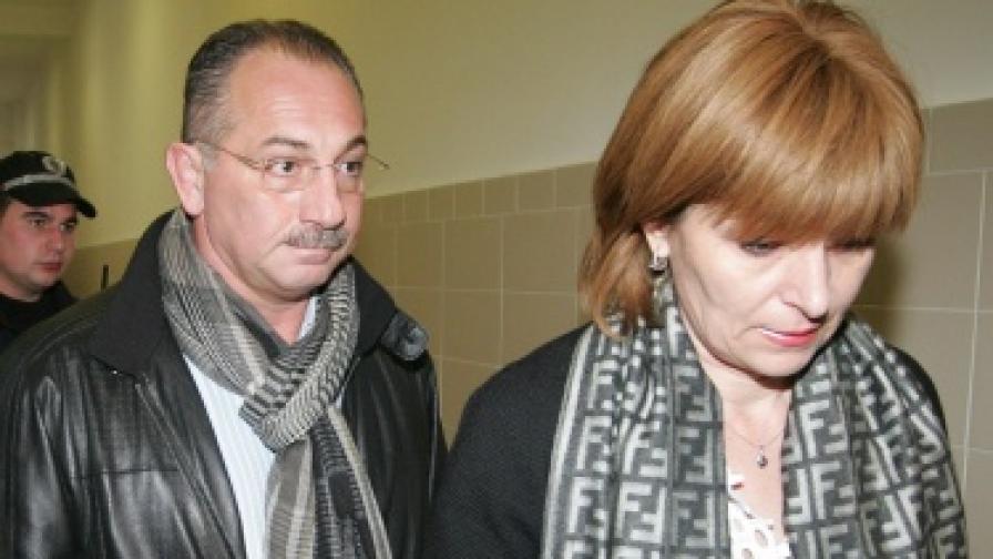 """Съдът: """"Утре за всеки"""" да върне парите на Бончеви"""