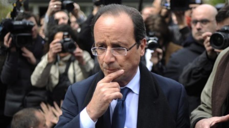 Франсоа Оланд, кандидатът на левицата, е сочен за фаворит на втория тур
