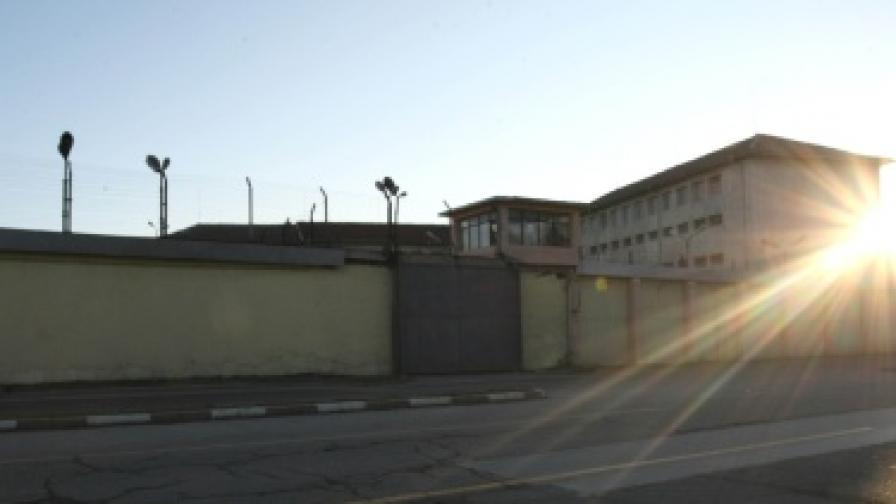 Затворите у нас - стари и пренаселени