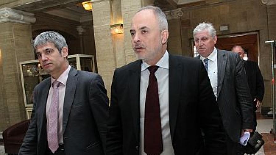 Социалният министър: Пълни данъчни ревизии за тези, които бавят осигуровки и заплати