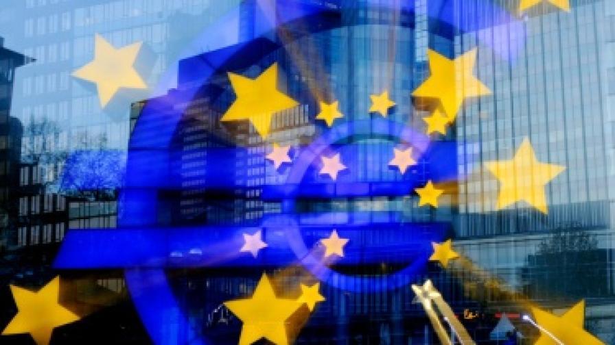 ЕЦБ спря да финансира няколко гръцки банки