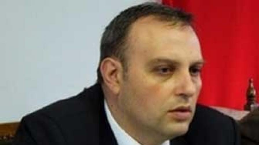Мартин Славов е шеф на сливенската организация на БСП и общински съветник