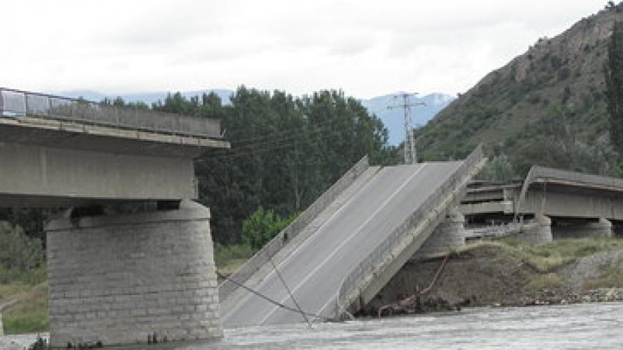 Парламентът подкрепи МС за спешни ремонти на мостовете