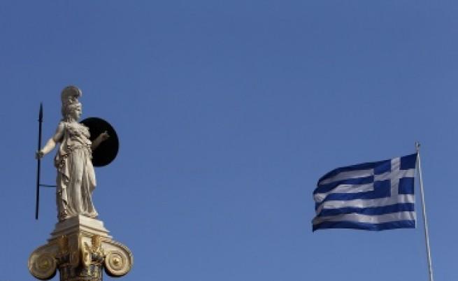 Ройтерс: ЕК притиска Гърция да закрива банки