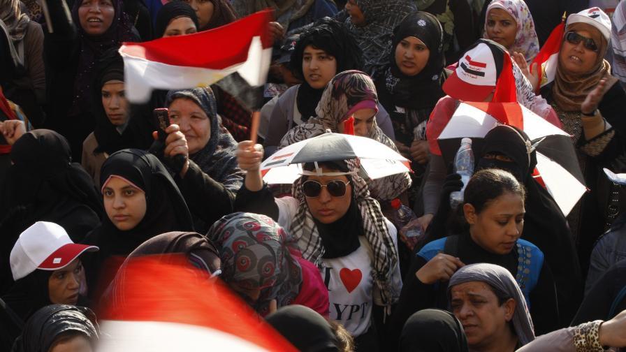 Нападнаха жени, протестирали срещу сексуалното насилие в Египет