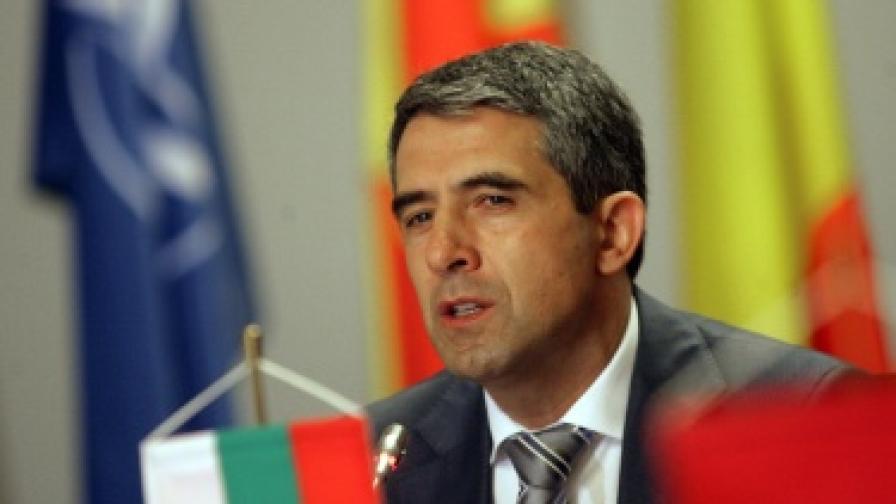 Плевнелиев към Скопие: Историята е за учените
