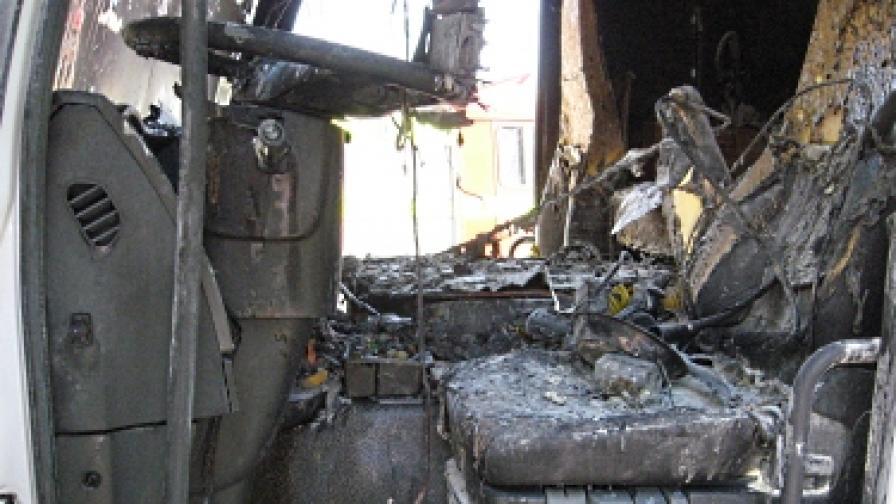 Водач загина при челен удар на два турски тира на Е-80