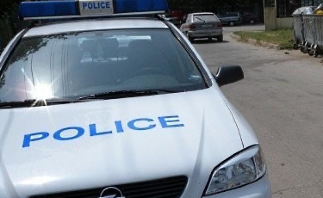 Бивш полицай източвал сметки на болни деца