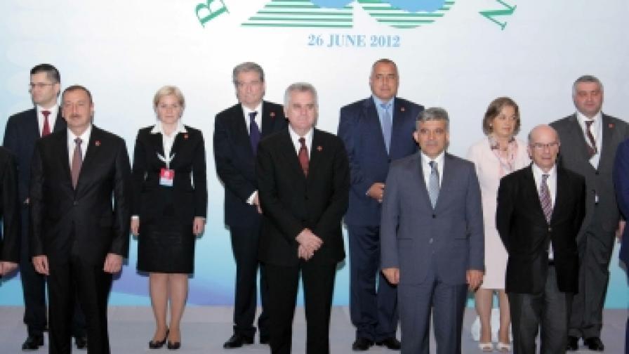 Борисов разтървава Азербайджан и Армения в Истанбул