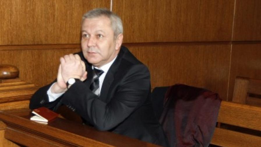 Митхат Табаков е получил инсулт и не се яви на дело