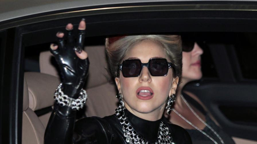 Лейди Гага идва с 42 тира