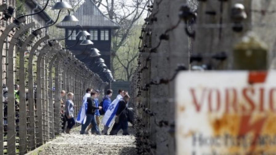 Арестуваха италианец, задигнал бодлива тел от Аушвиц