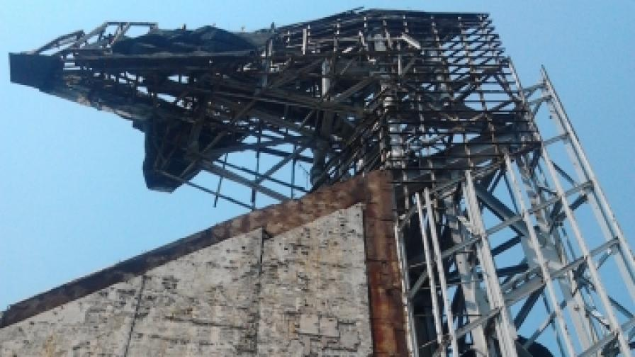 Започва демонтирането на 1/3 от паметника пред НДК