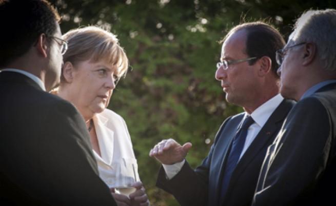 Меркел и Оланд: Гърция да продължи с реформите