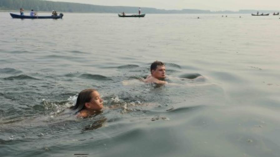 Шестгодишно момиче преплува Дунав
