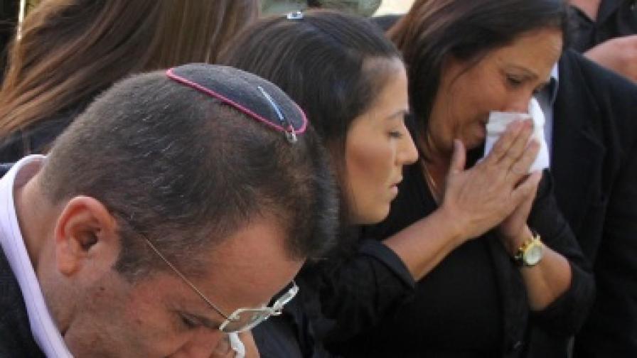 В Бургас почетоха паметта на жертвите на атентата