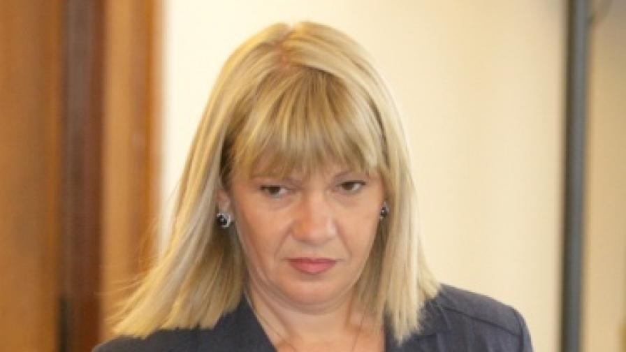 Министър Караджова поднови забраната за строителство в Камчийски пясъци