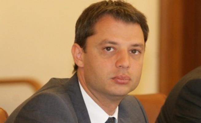Делян Добрев: Няма основания за исканите над 1 млрд. евро за
