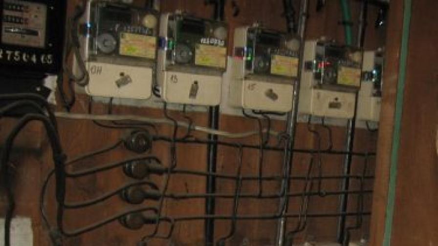 Технически грамотни бандити крадат пари от електромери