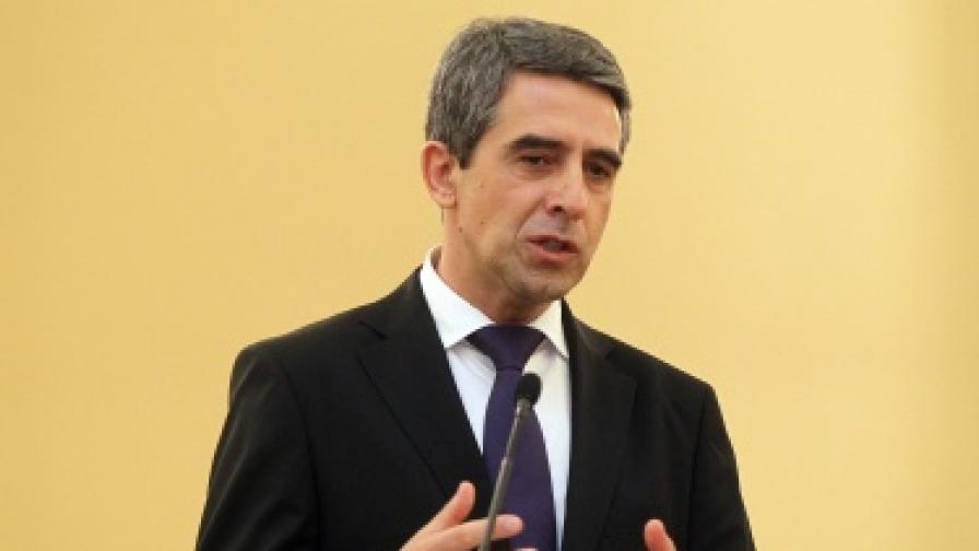 """Плевнелиев: Обвиненията към """"Хизбула"""" и Иран за атентата в Бургас може би са политически"""