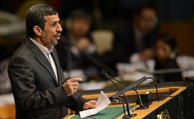 Ахмадинеджад щял да работи за мира в Сирия