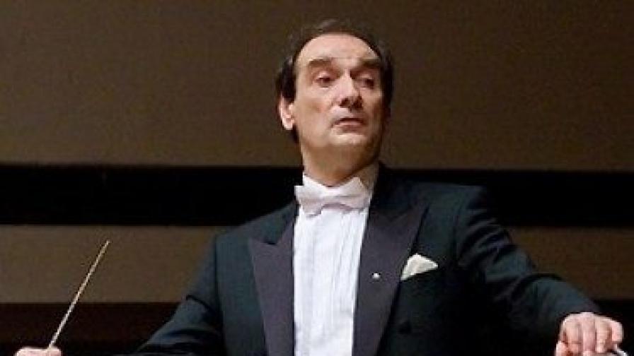 Емил Табаков - главен диригент на Симфоничния оркестър на БНР