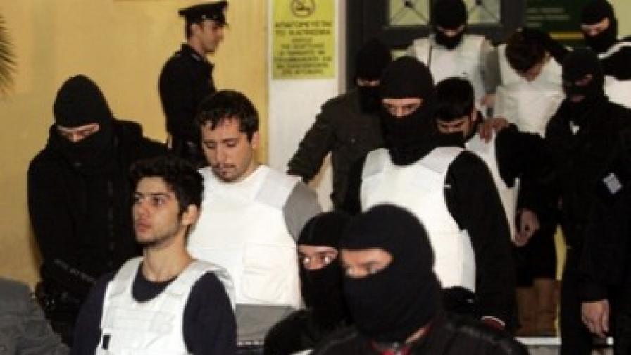 """Гърция: До 68 г. затвор за членове на терористичната организация """"Заговор на ядрата на огъня"""""""