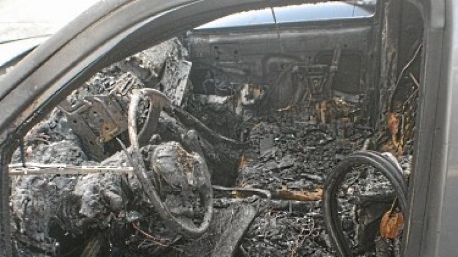 Нови палежи на коли в София и Казанлък