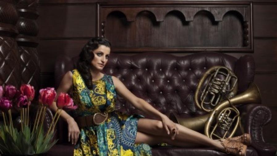 """Видеото към ремикса на """"Свети Георги"""" бе заснето по време на репетиция на Нина Николина и берковската духова музика за концерта им на 24 май т.г., зала1 на НДК, който мина при забележителен успех"""
